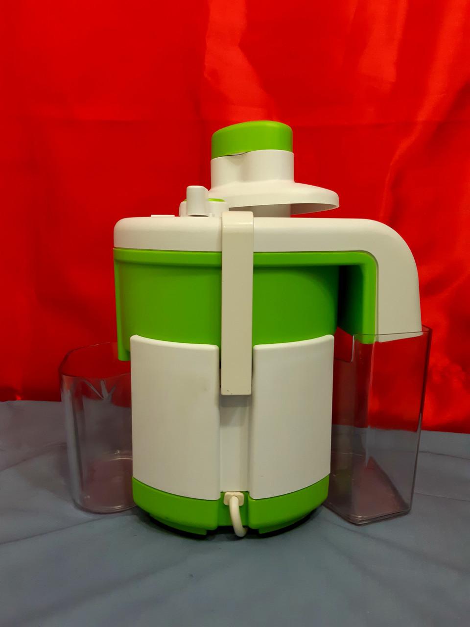 """Електрична соковижималка для яблук, томатів, ягід і т. д. """"Журавинка""""."""
