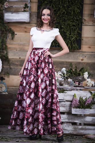 Длинное платье с атласной юбкой