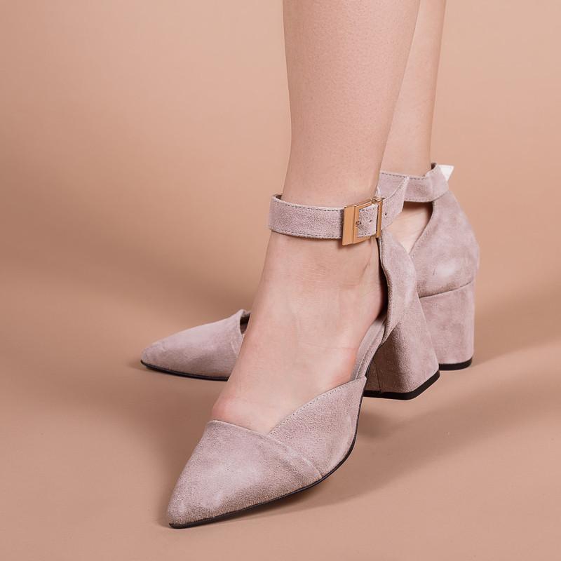 Женские замшевые бежевые туфли на маленьком каблуке, с ремешком. Натуральная замша. Каблук 6,5 см