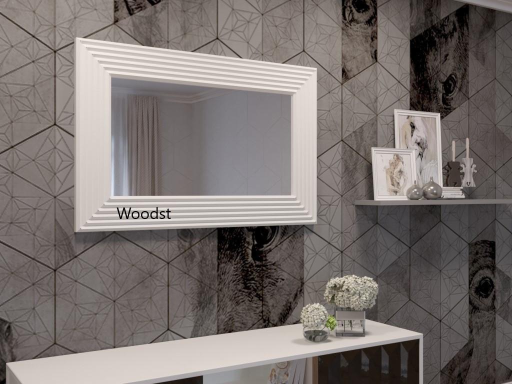 Зеркало прямоугольное настенное в белой раме Alanno