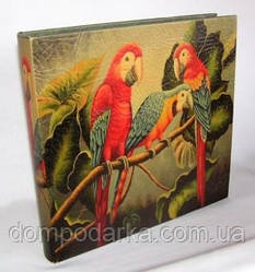 Яркий красочный Фотоальбом с рисунком Попугаи (36*35 см) для фотолюбителей.