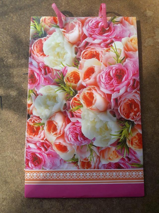 Картонные сумочки для подарков фото