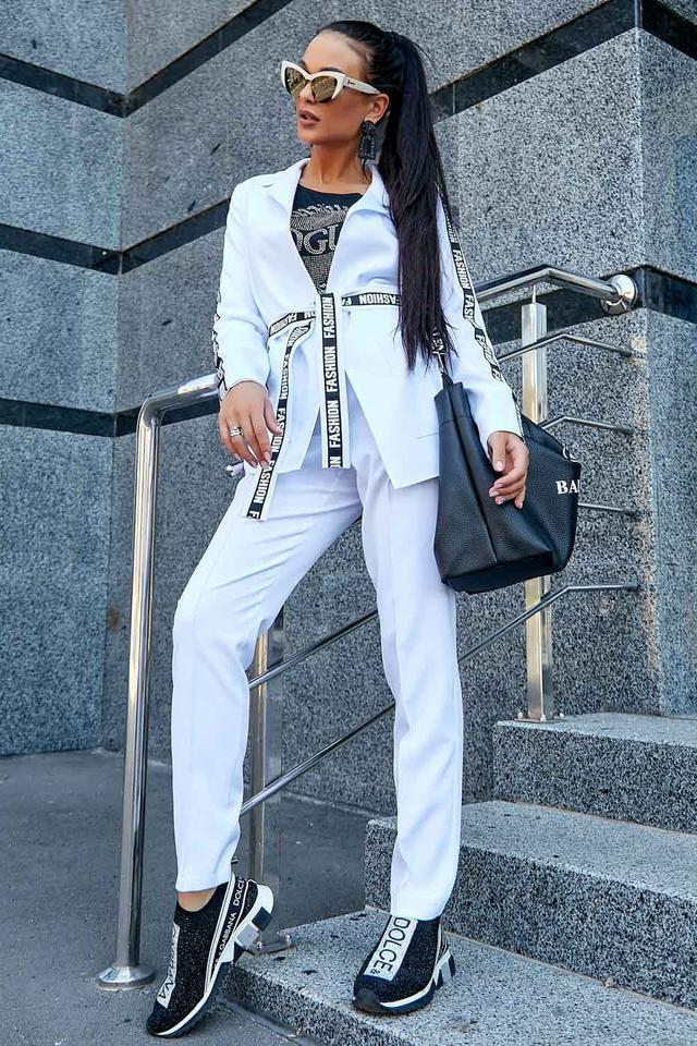 Женский брючный костюм, белый, костюмка, классический, повседневный, молодёжный