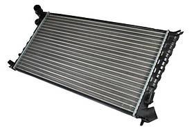 Радиатор охлаждения Citroen Berlingo (1.8-2.0) 1996-2008 (667*359*22mm) МКПП
