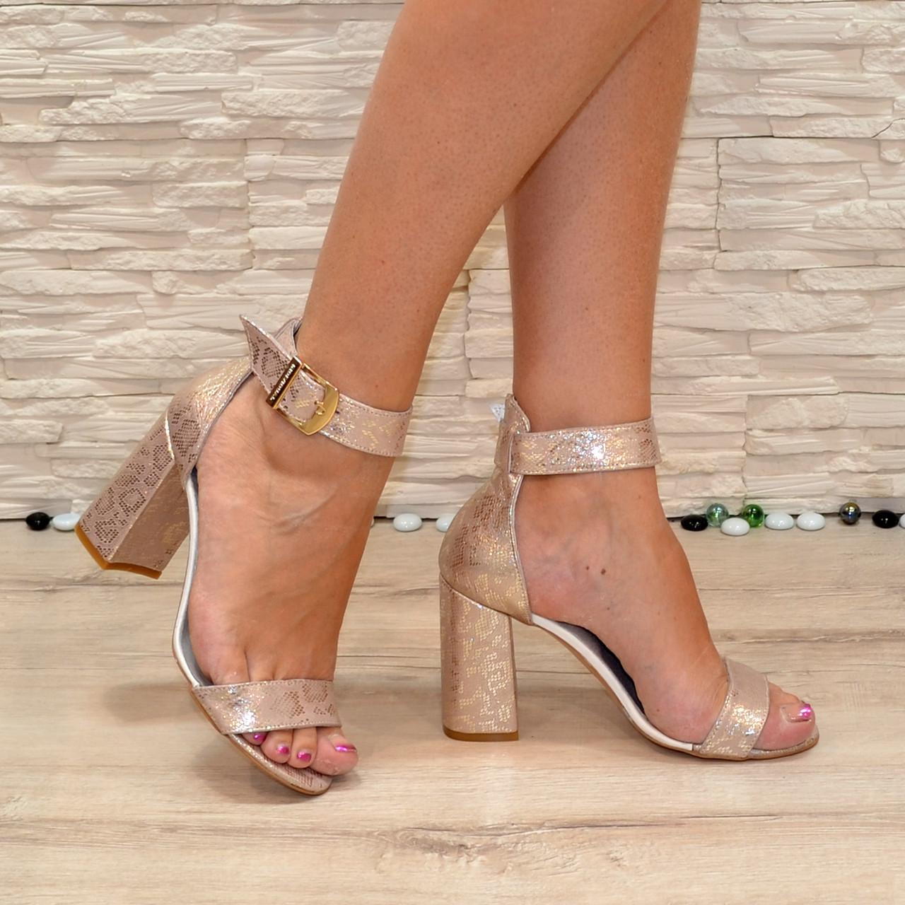 Женские кожаные босоножки на высоком устойчивом каблуке, цвет золото