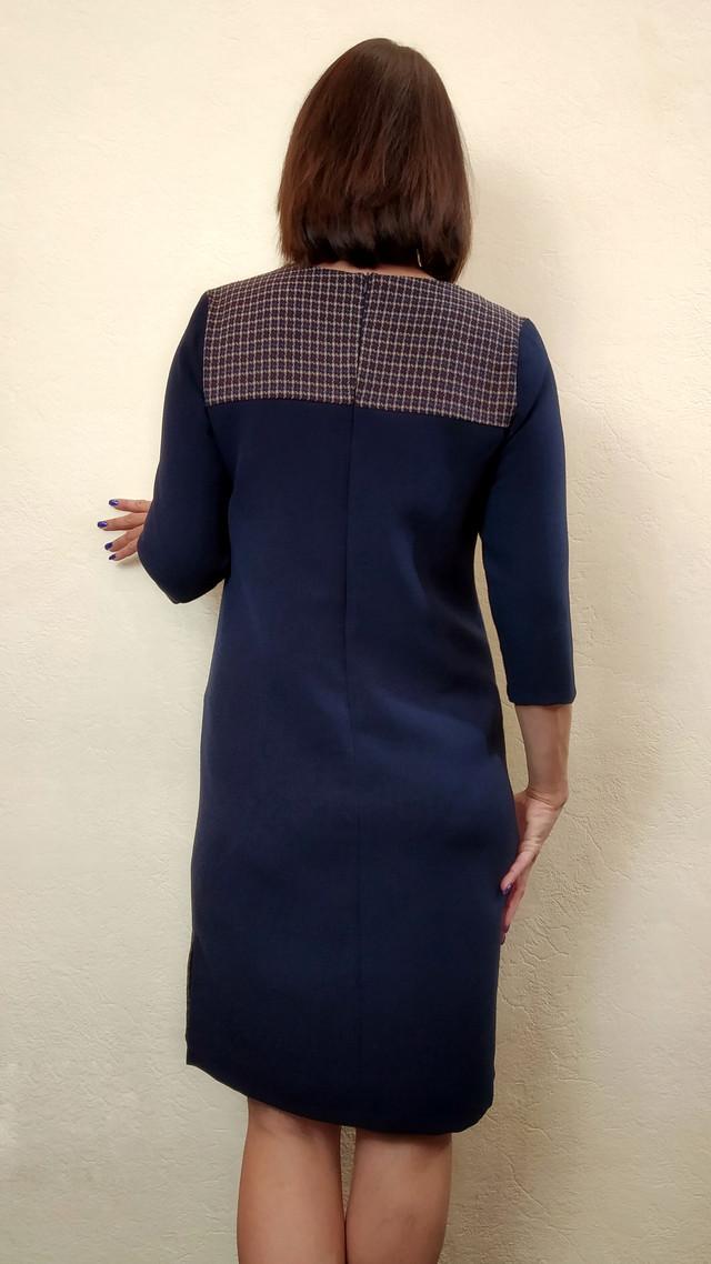 Женское офисное платье комбинированное П272