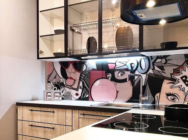 стеклопанель для кухни с рисунком комиксы