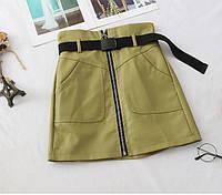 Женская кожаная зеленая юбка ( с ремнем и молнией) размер Л