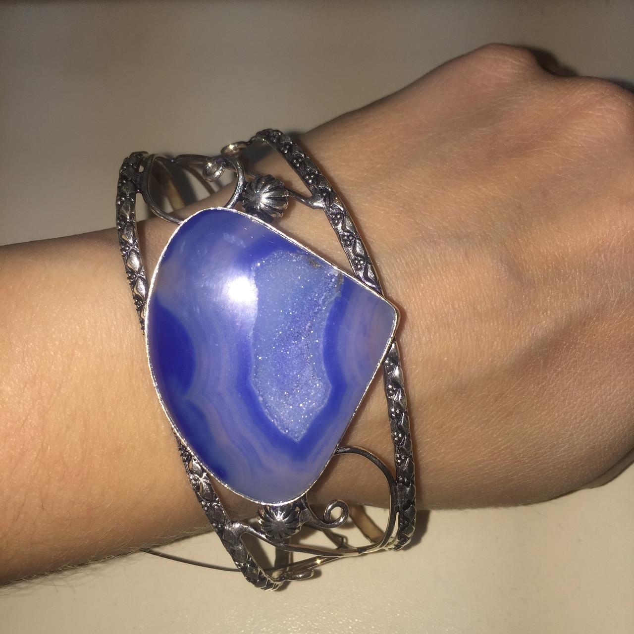 Агат браслет-манжет с природным камнем агат жеода (срез) в серебре. Браслет с жеодой агата Индия