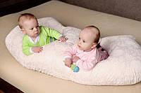 """Подушка для новорожденных """"Близнецы"""""""