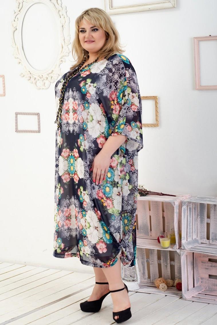 Женское платье батал Алисия цветные букеты на черном (64-70)