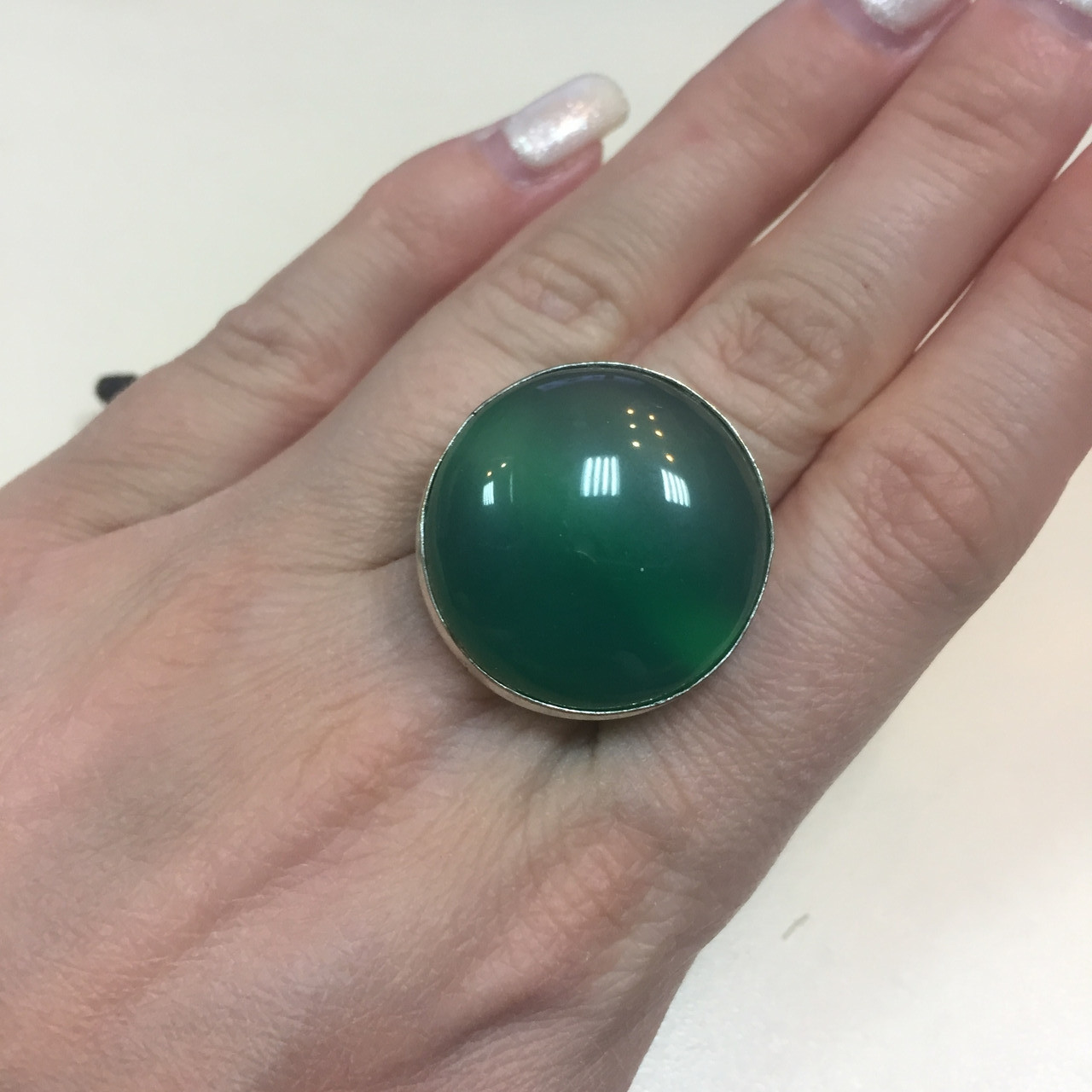 Хризопраз круглое кольцо с хризопразом 16,5 размер. Кольцо природный хризопраз в серебре Индия