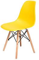 Стілець Жаклін пластиковий Жовтий з дерев'яними ногами, фото 1