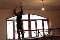 Поклейки стекловолокнистых обоев на стены с дальнейшей покраской
