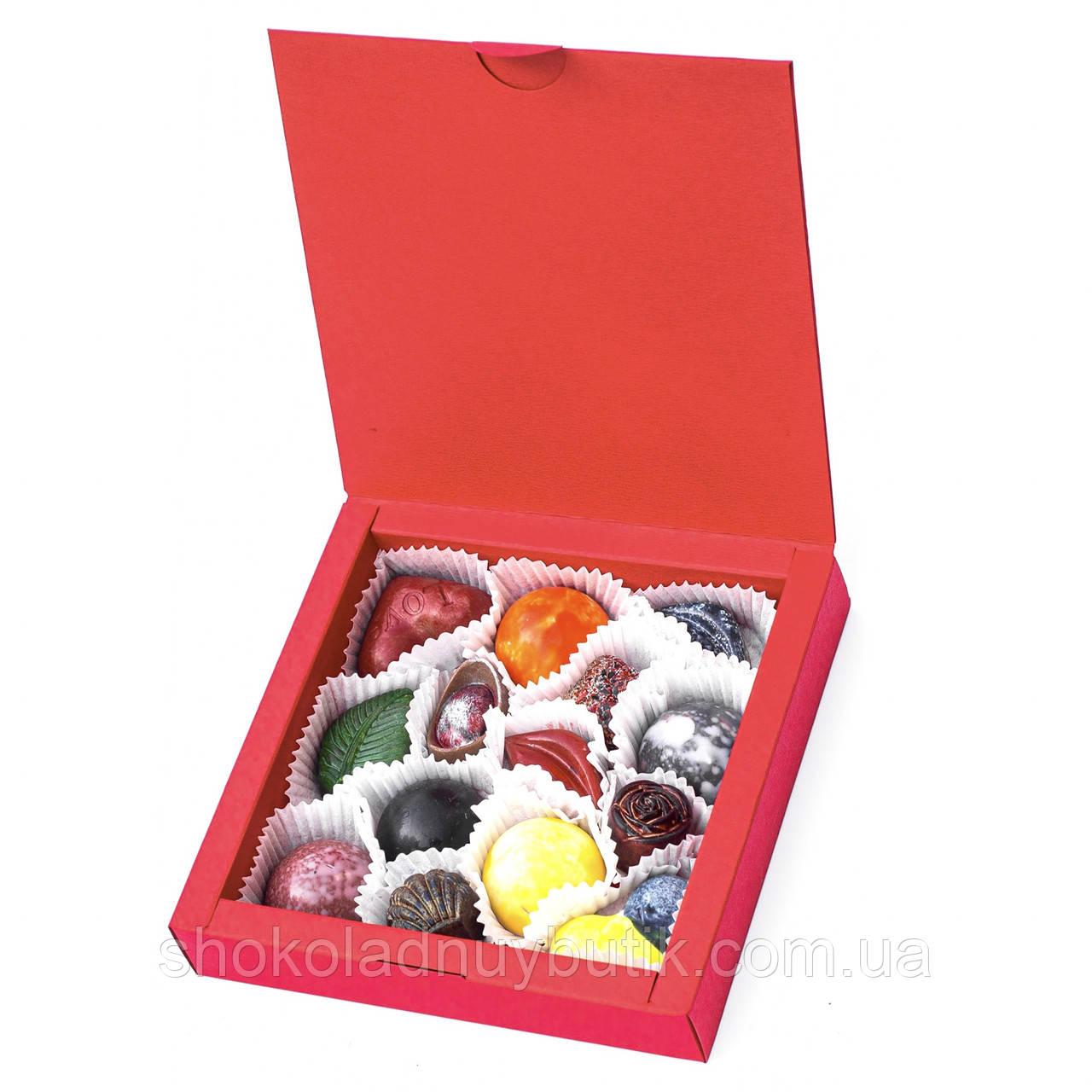 """Коробочка с конфетами ручной роботы """"Красная""""."""