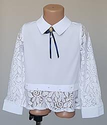 Белая детская блузка с гипюровыми вставками