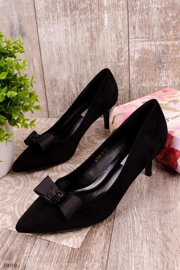 Жіночі туфлі чорні човники з бантом на підборах 6 см еко-замш