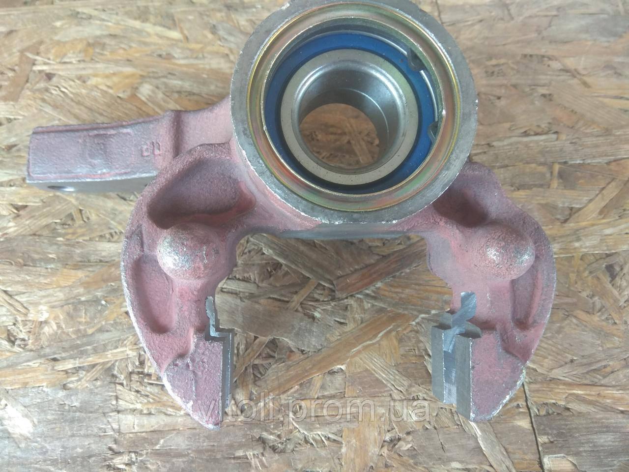Кулак поворотный Таврия, Славута ЗАЗ 1102-05 правый с подшипником