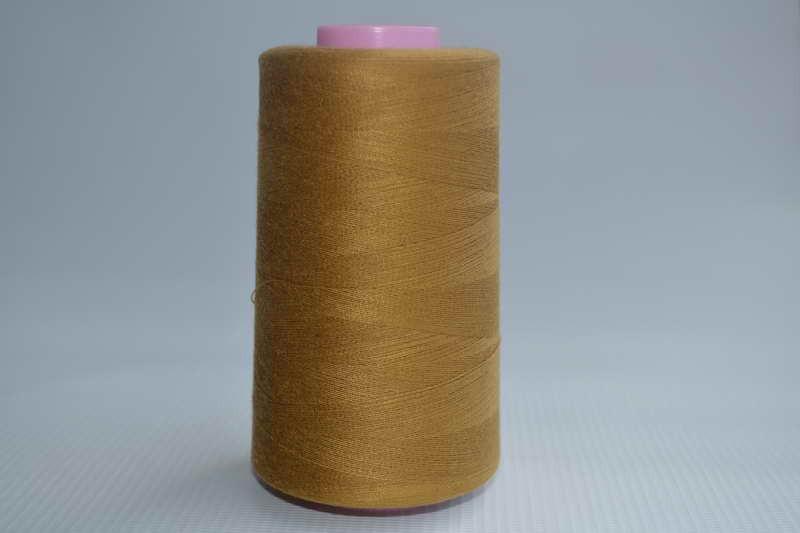 Швейные нитки разных цветов 780