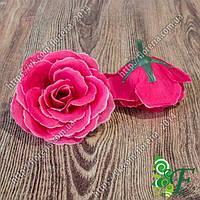 Головка чайной розы фуксия