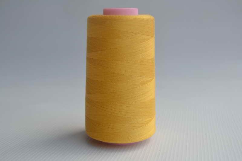 Швейные нитки разных цветов 787