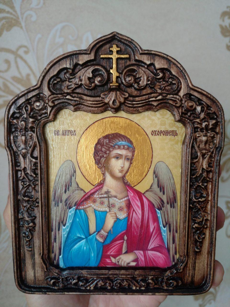 Ангел Хранитель в резном киоте с золочением (лики на выбор заказчика)