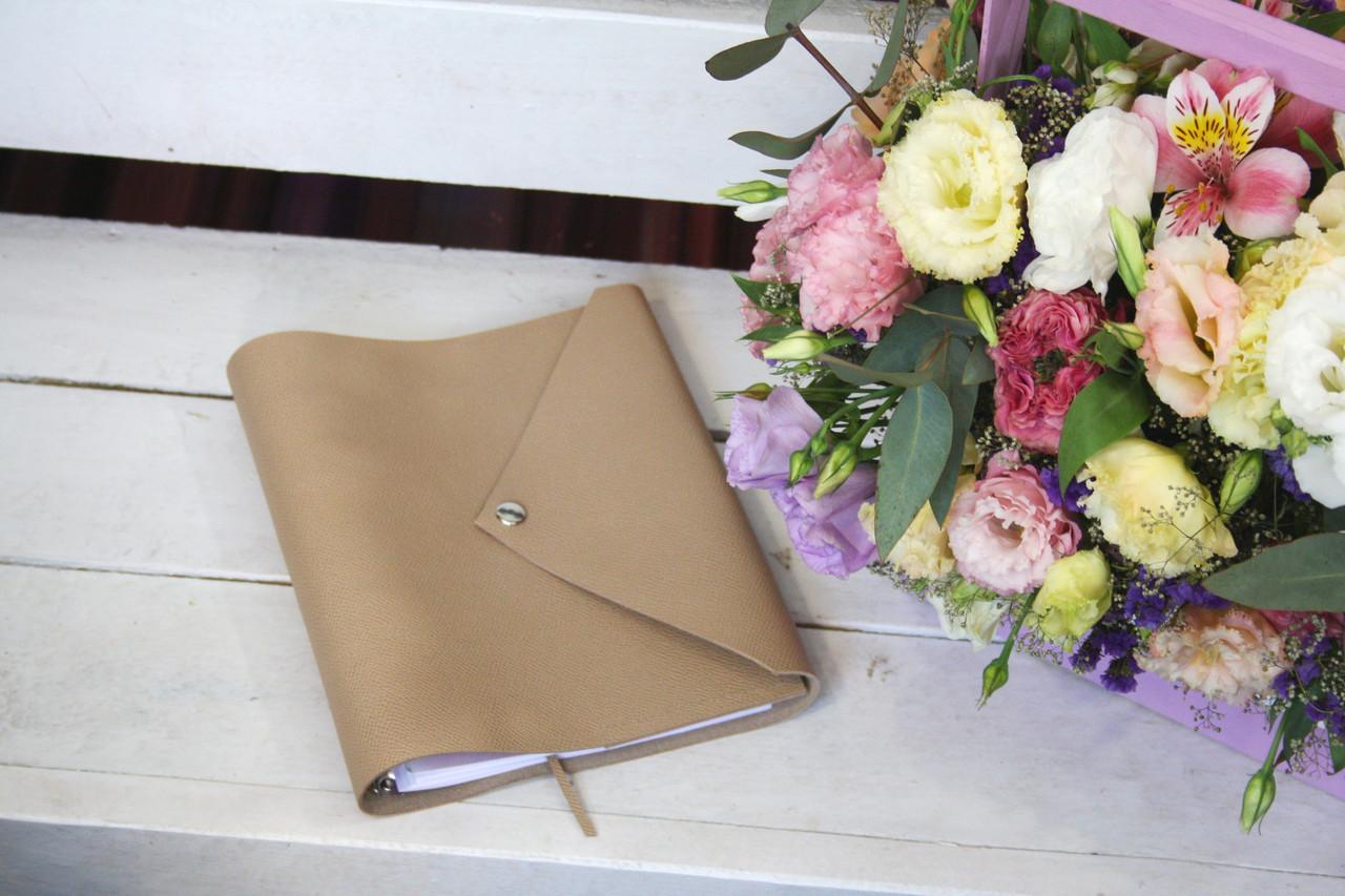 Кожаный блокнот девушке датированный/недатированный А5 + в подарок кожаные серьги
