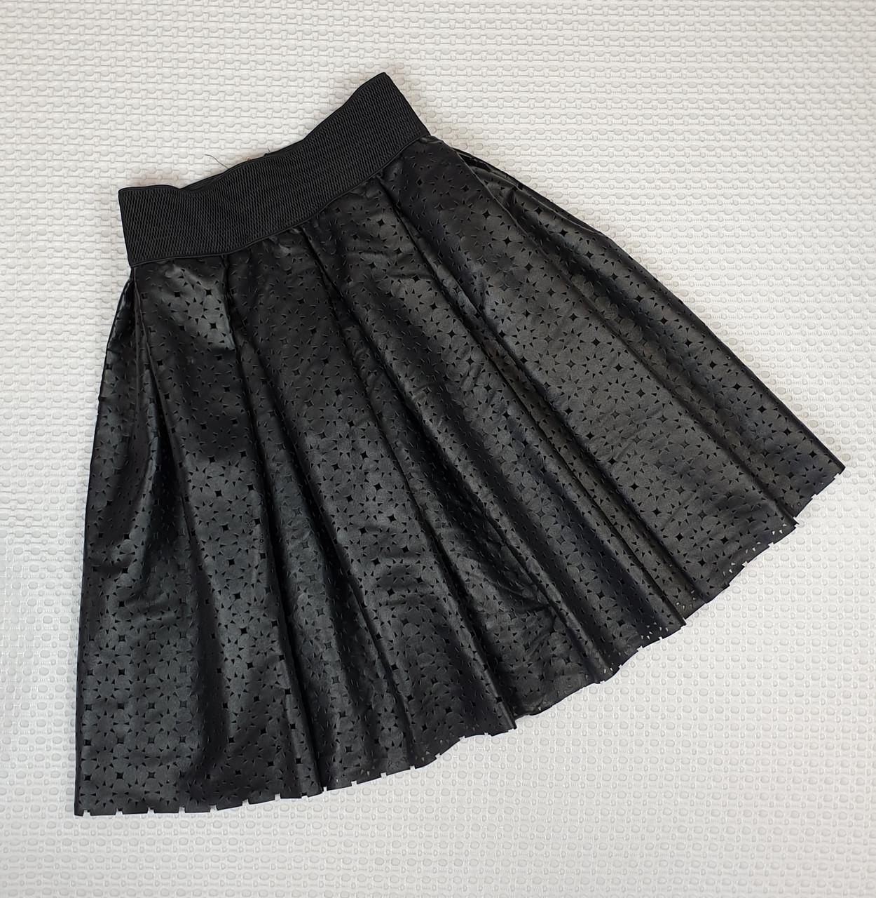 Кожаная юбка с перфорацией 140-158 черный