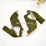 Женские замшевые босоножки на устойчивом каблуке, цвет оливковый, фото 4