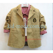 Пиджак с принтом на кармане