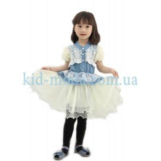 Платье с кружевами и рукавами-фонариками
