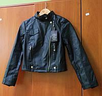 Кожаная черная куртка на молнии, М