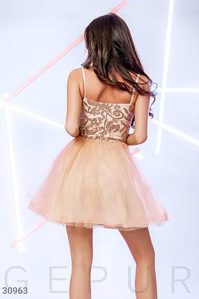 Вечернее платье мини на тонких бретелях цвет бежевый, фото 2