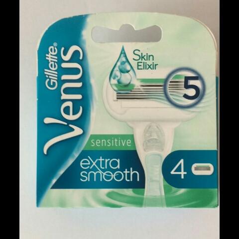 Кассеты для женщин Gillette Venus (5) Embrace Sensitive Extra smooth (Венус (5) Эмбрас Сенсетив)- 4 шт..