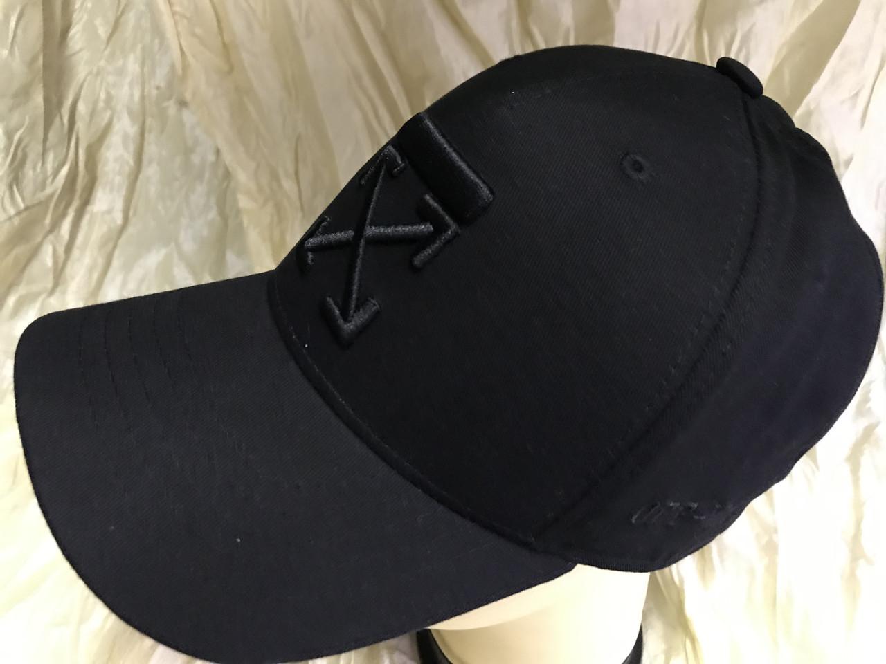 Чорна бейсболка з бавовни з чорною вишивкою розмір 58-60