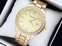 Burberry -  женские наручные часы золотого цвета с золотым циферблатом