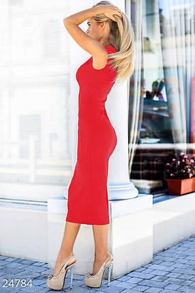 Классическое платье-футляр по колена фигурный вырез на груди цвет красный, фото 2