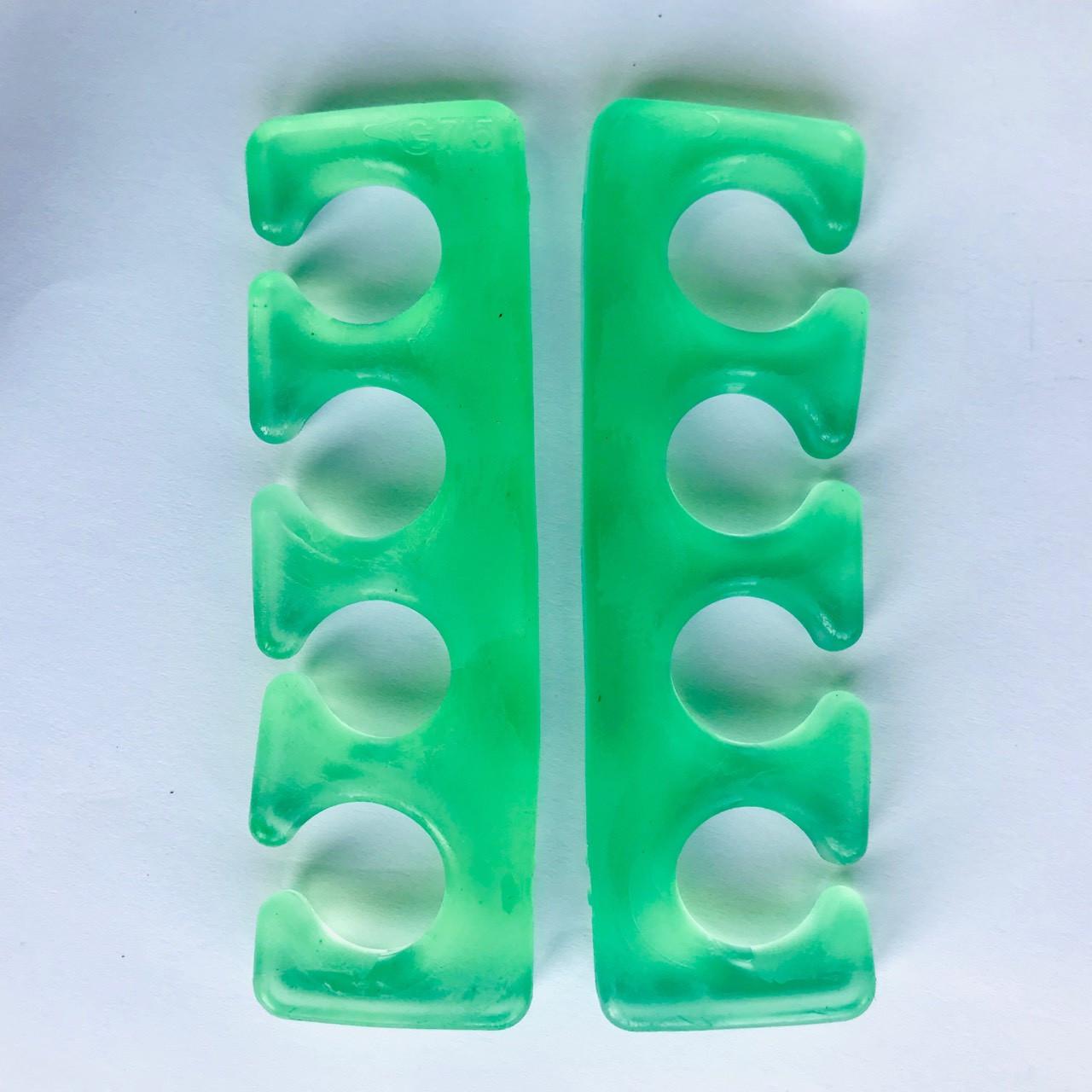 Разделитель пальцев силиконовый (зеленый)
