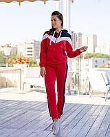 Женский тёплый спортивный костюм с капюшоном