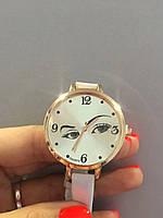 Часы с глазами, фото 1