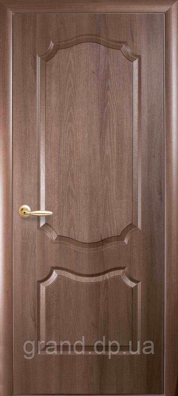 Двери межкомнатные Новый стиль Вензель ПВХ Deluxe глухая, цвет золотая ольха