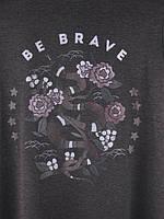 """Женская футболка """"BE BRAVE"""" М/Л 1022 Граффитовый, фото 3"""