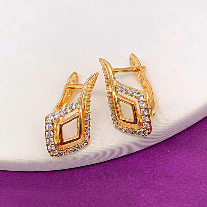 "Серьги Xuping Jewelry ""Бетти"" медицинское золото, позолота 18К, английский замок. А/В 3948"
