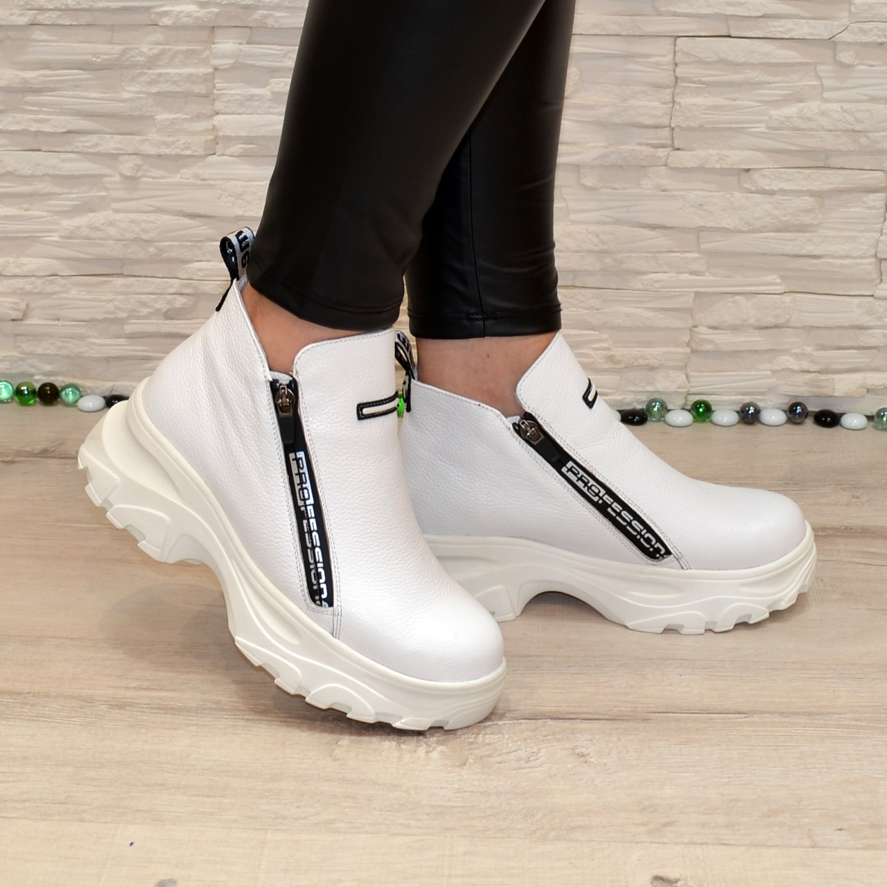 Ботинки женские спортивные из натуральной белой кожи флотар, на байке