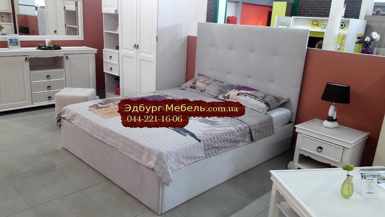 Двуспальная кровать с мягким изголовьем 1670х2200мм
