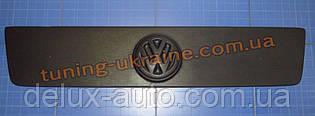 Зимняя накладка (заглушка) на решетку радиатора для Volkswagen LT35 1996-2000 матовая