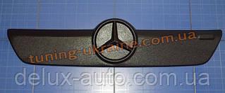 Зимняя заглушка на решетку радиатора на Mercedes Sprinter 2002-2006 верх мат
