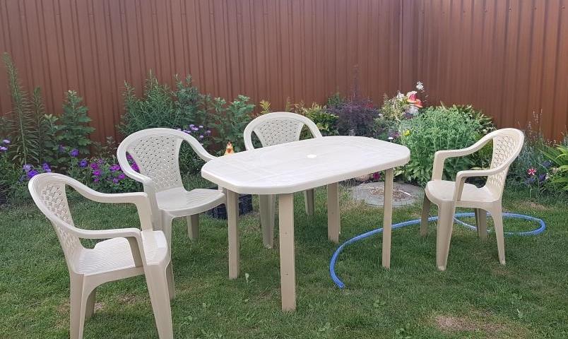 Комплект садовой мебели! Стол большой + 4 кресела!
