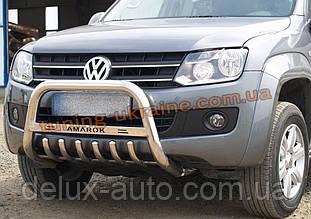 Защита переднего бампера кенгурятник низкий с надписью D70 на Volkswagen Amarok 2010