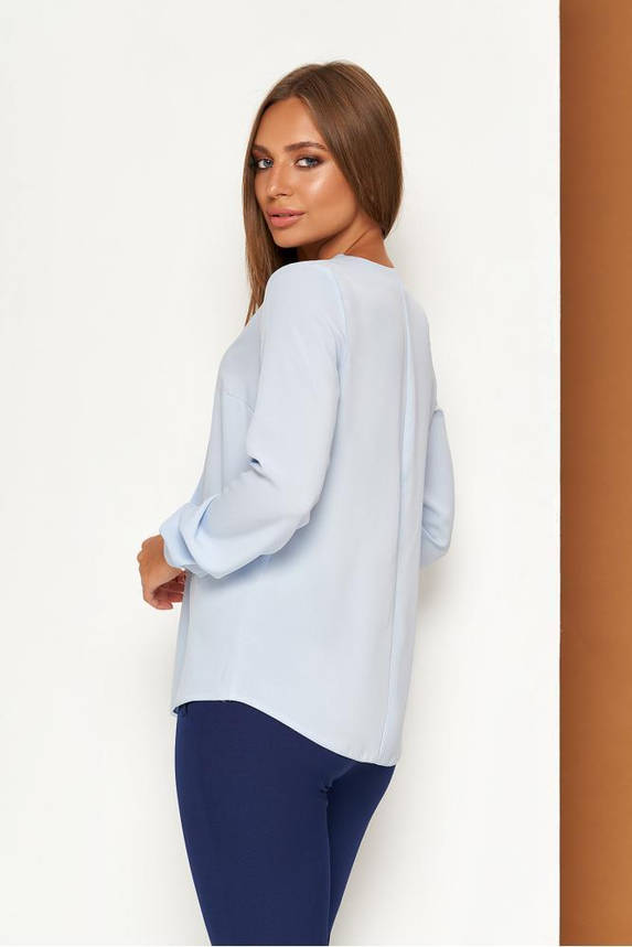 Элегантная голубая офисная блузка с завязкой, фото 2